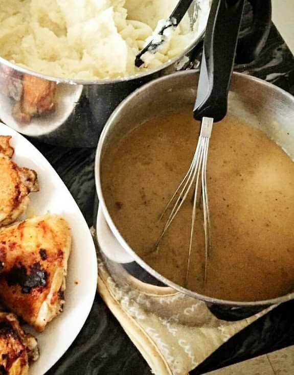 Gravy Recipe, Gravy Panlasang Pinoy, Jollibee Gravy Recipe, homemade delicious gravy, gravy sauce recipe, filipino style gravy sauce,